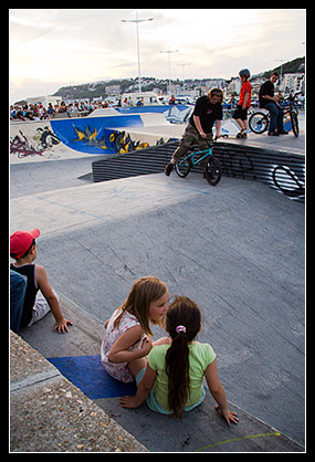 Fillettes skate park